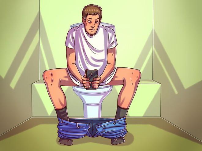 Đây là lý do bạn cần ngừng sử dụng điện thoại trong toilet ngay lập tức - Ảnh 2.