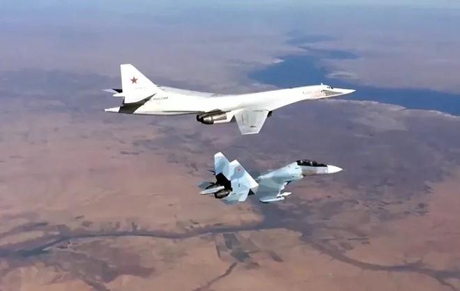 Mệnh lệnh của TT Putin đã được thực thi: Chặn đứng NATO mưu đồ tấn công tổng lực Syria! - Ảnh 1.