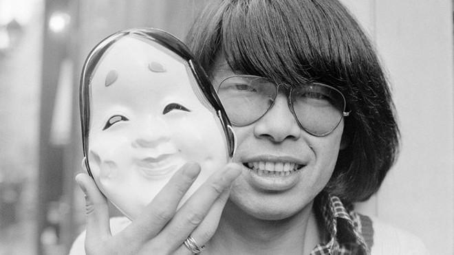 Huyền thoại thời trang Nhật Bản Kenzo Takada qua đời vì COVID-19 - Ảnh 1.