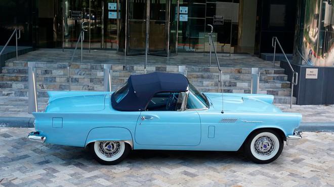 Chiếc xe cổ hơn 60 năm tuổi với hộp số cực hiếm - Ảnh 1.