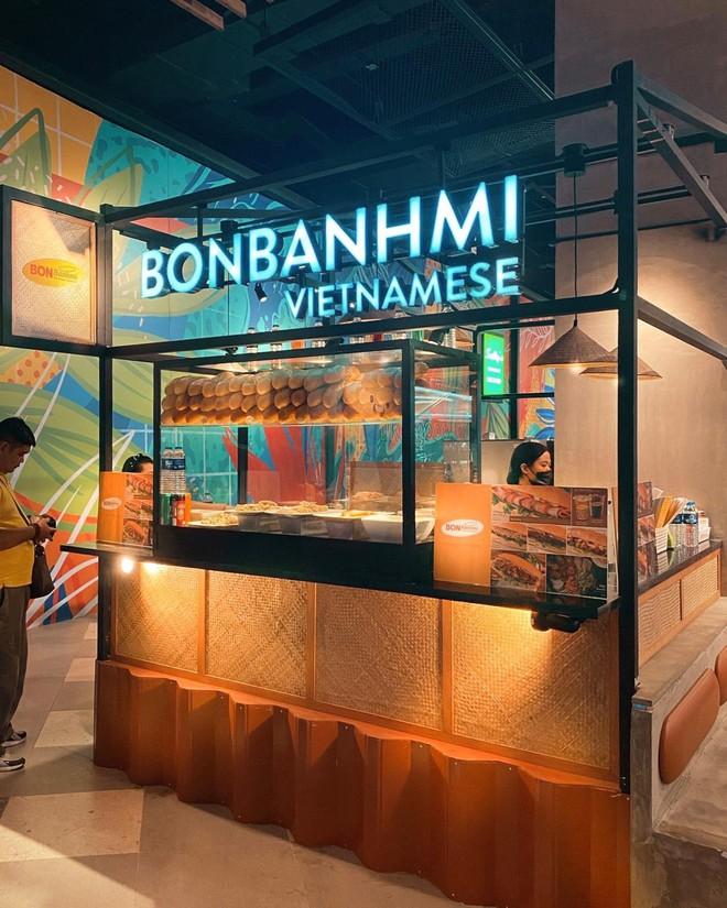 Cô gái Việt mở hàng loạt quán ăn ở Philippines: Bánh mì, nước mắm, ruốc, tương đều nhập từ Việt Nam - Ảnh 2.