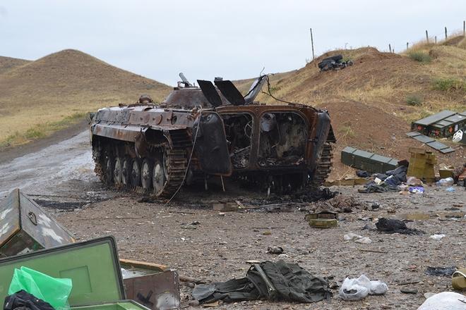 Iran điều hàng trăm xe tăng, sẵn sàng tiếp ứng Armenia - Lộ diện vũ khí giội bão lửa xuống căn cứ Azerbaijan ở Ganja? - Ảnh 2.