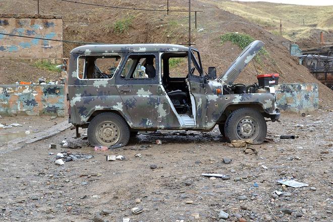 Iran điều hàng trăm xe tăng, sẵn sàng tiếp ứng Armenia - Lộ diện vũ khí giội bão lửa xuống căn cứ Azerbaijan ở Ganja? - Ảnh 4.