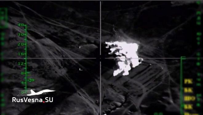 Chiến sự Azerbaijan-Armenia ác liệt: Azerbaijan bắt sống, thu giữ lượng vũ khí khổng lồ - Nga bất ngờ bị đe dọa - Ảnh 3.