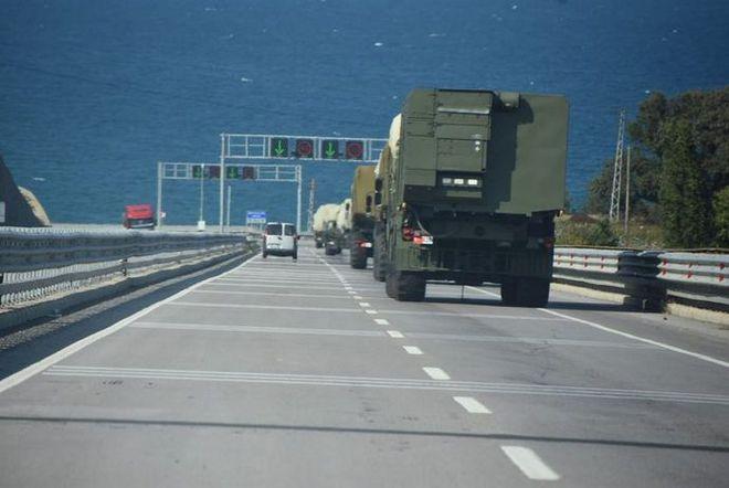 Chiến sự Azerbaijan-Armenia ác liệt: Azerbaijan bắt sống, thu giữ lượng vũ khí khổng lồ - Nga bất ngờ bị đe dọa - Ảnh 2.