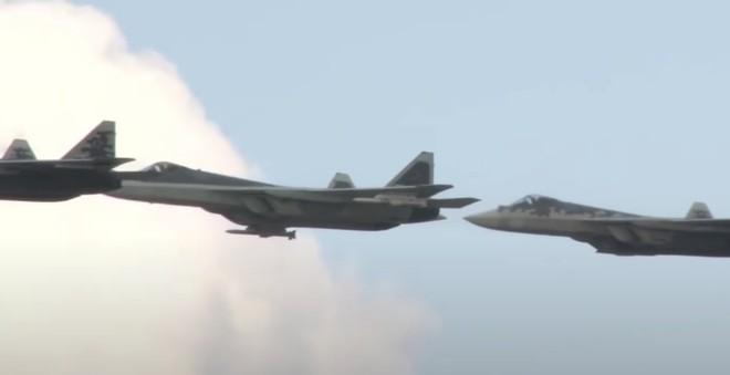 """Lộ diện tên lửa Nga trang bị cho Su-57 và Su-35: """"Chấp tất"""" các đối thủ phương Tây! - Ảnh 1."""