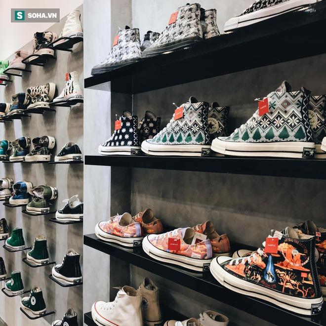 Mua giày Converse nổi tiếng của nước ngoài, vẽ thêm hoa văn Việt Nam, chàng trai bán giá 15 triệu đồng/đôi - Ảnh 9.
