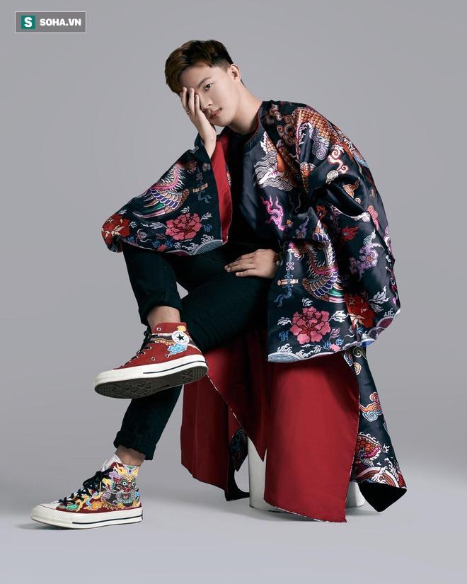 Mua giày Converse nổi tiếng của nước ngoài, vẽ thêm hoa văn Việt Nam, chàng trai bán giá 15 triệu đồng/đôi - Ảnh 10.