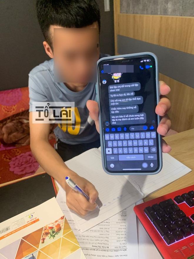Anh trai phải kèm em học bài vì mẹ rủ nữ gia sư đi đánh ghen, tin nhắn dặn dò còn bá đạo hơn - Ảnh 1.