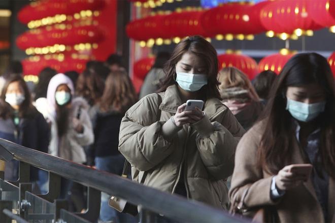 Nỗi sợ song dịch ở Trung Quốc: Dân phát cáu vì muốn tiêm mà không được - Ảnh 2.