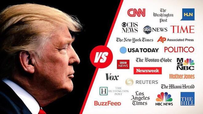 Truyền thông trong bầu cử Mỹ: Xoay như chong chóng, viết mãi không hết bài và cuộc chiến với fake news - Ảnh 3.