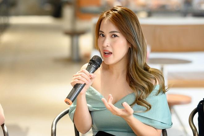 Tú Vi, Khánh My mặc gợi cảm đến ủng hộ Xuân Lan - Ảnh 3.