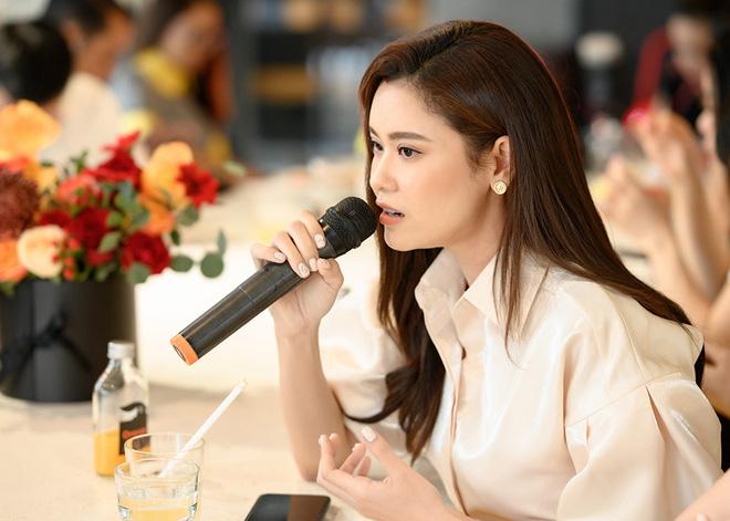 Tú Vi, Khánh My mặc gợi cảm đến ủng hộ Xuân Lan - Ảnh 5.