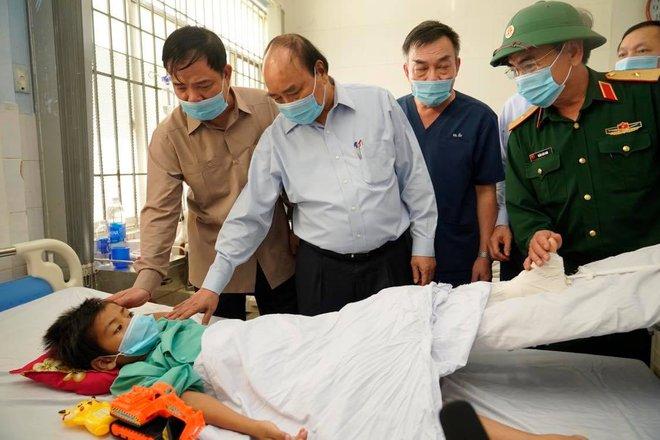 Bộ trưởng Trần Hồng Hà chỉ ra nguyên nhân xảy ra hàng loạt vụ sạt lở đất - Ảnh 4.