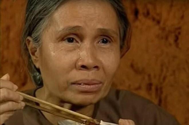 Cuộc đời buồn của nghệ sĩ Ánh Hoa: Mất chồng và 4 con, phải nghỉ hát bán cơm tấm - Ảnh 5.