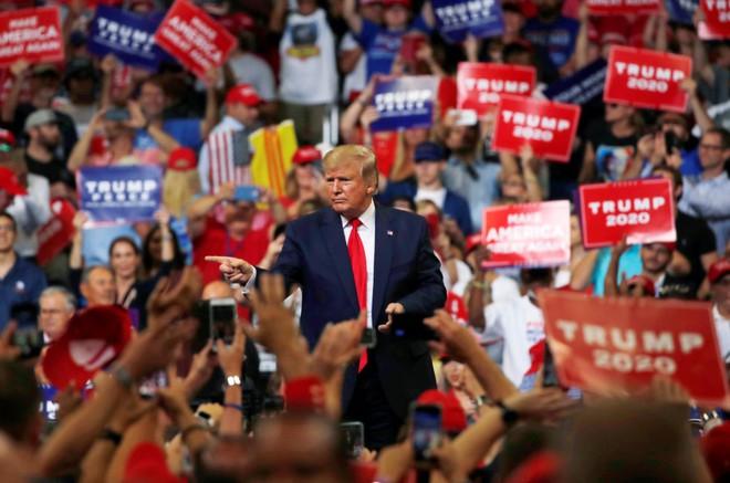 Bầu cử Mỹ: Cuộc đua tốn kém nhất lịch sử và những sợi dây trói buộc quyền lực Tổng thống - Ảnh 1.