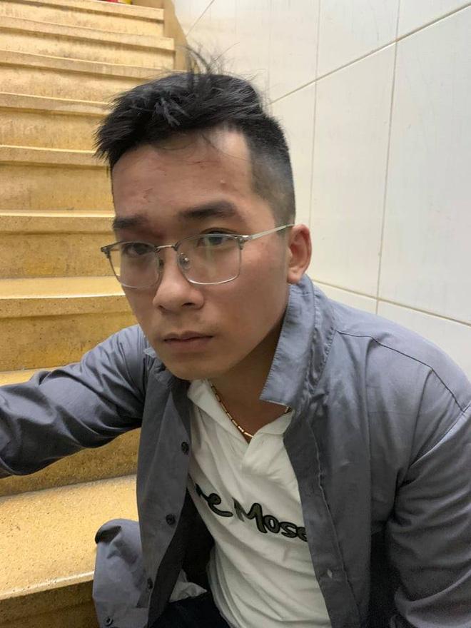 Công an nổ súng bắt tên cướp giật iPhone 11 của cô gái chụp ảnh tự sướng trên phố Sài Gòn - Ảnh 1.