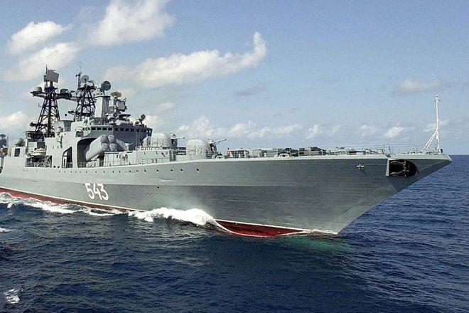 Khu trục hạm Đô đốc Shaposhnikov lừng lẫy của Nga còn cách tàu Arleigh Burke Mỹ bao xa? - Ảnh 4.