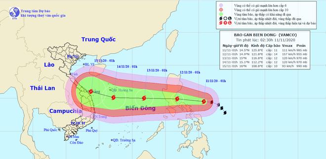 Bão Vamco dự kiến sáng 12/11 vào Biển Đông, sẽ đạt cường độ mạnh cấp 12, giật cấp 15 - Ảnh 1.