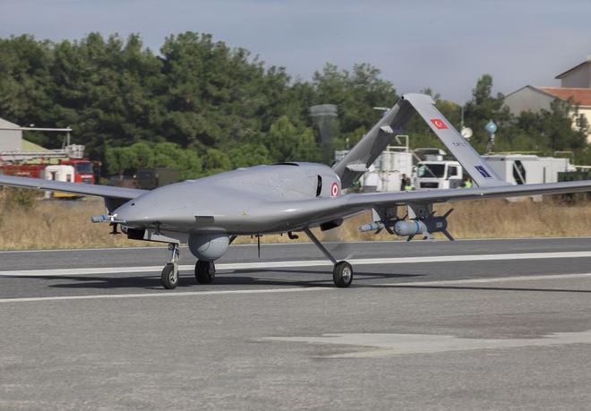 Azerbaijan phá hủy hàng trăm phương tiện chiến tranh của Armenia: S-300 cũng không thoát - Ảnh 1.