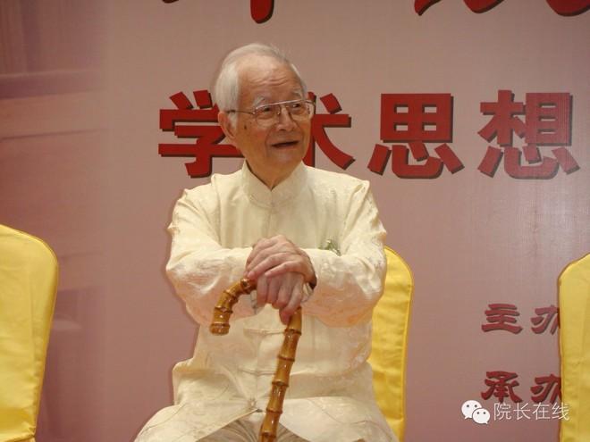 Quốc y Đại sư TQ 104 tuổi: Việc đại sự của mỗi người là làm 3 điều đúng giờ để sống thọ - Ảnh 1.