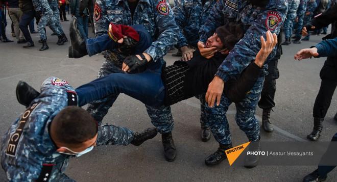 Hành quân thần tốc, Quân đội Nga đã có mặt ở Nagorno-Karabakh - Tổng thống Azerbaijan ra tuyên bố quan trọng - Ảnh 2.