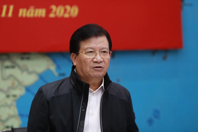 Bão số 13 có thể quét dọc tuyến biển từ Quảng Ngãi đến Thanh Hóa với sức tàn phá rất lớn trên biển - Ảnh 3.