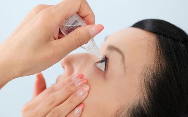 BS nêu đích danh 6 thói quen xấu khiến cho thị lực suy giảm: Hãy thay đổi để cứu đôi mắt - Ảnh 2.