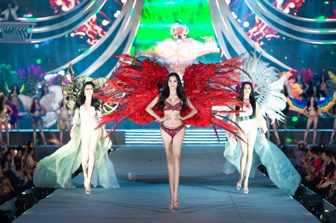 Cận cảnh màn diễn bikini bốc lửa của các thí sinh đẹp nhất Hoa hậu VN - Ảnh 10.