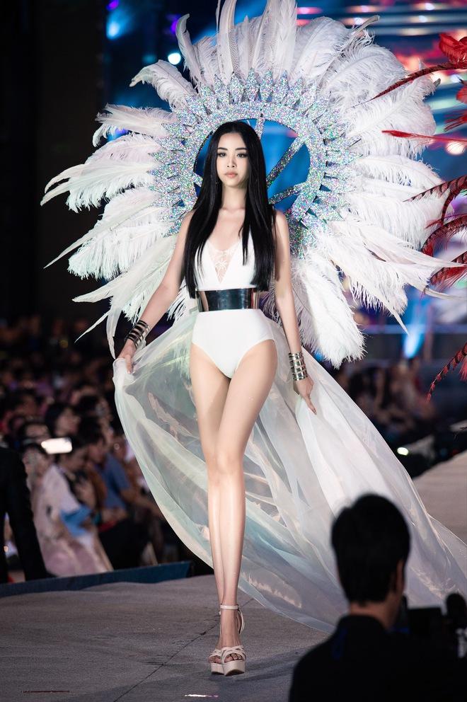 Cận cảnh màn diễn bikini bốc lửa của các thí sinh đẹp nhất Hoa hậu VN - Ảnh 13.