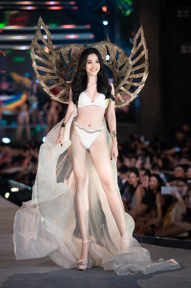 Cận cảnh màn diễn bikini bốc lửa của các thí sinh đẹp nhất Hoa hậu VN - Ảnh 14.