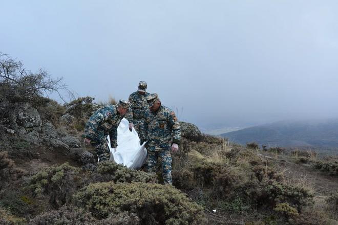 Báo Pháp: Xung đột Karabakh - TT Nga Putin thu phục Armenia mà không cần nổ 1 phát súng? - Ảnh 9.