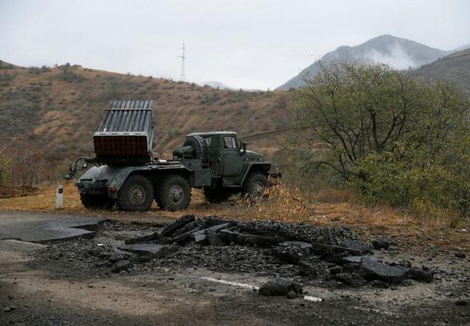 Quân Nga đến Nagorno - Karabakh, chứng kiến cảnh tượng kinh hoàng  - Ảnh 1.
