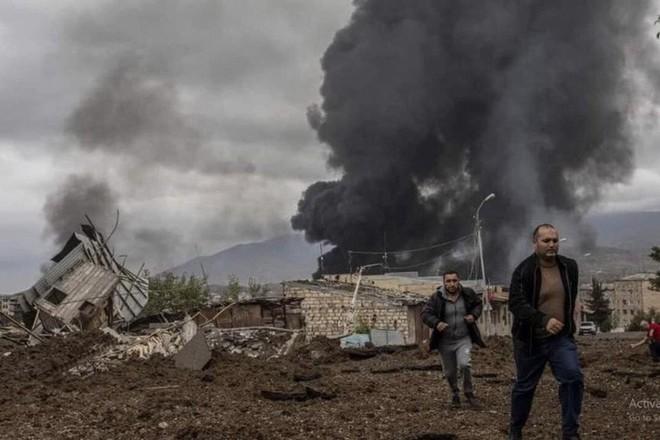 Quân Nga đến Nagorno - Karabakh, chứng kiến cảnh tượng kinh hoàng  - Ảnh 3.