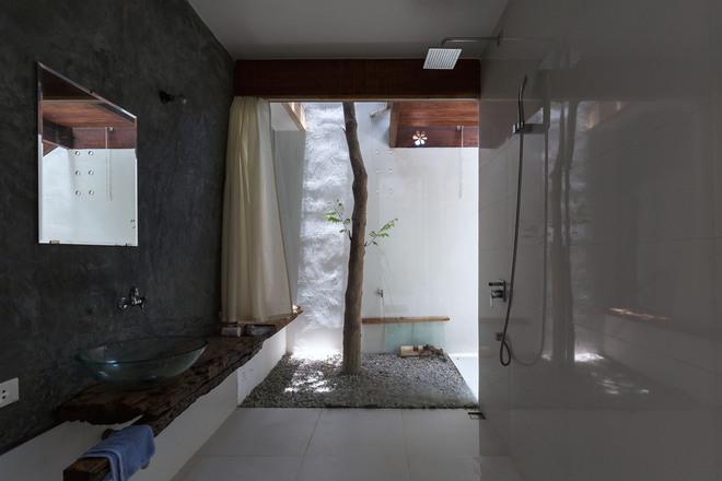 Huế: Căn nhà mới hoàn thiện 1/2, tận dụng gỗ thừa, vật liệu cũ bất ngờ được lên báo Mỹ - Ảnh 4.