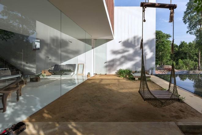 Huế: Căn nhà mới hoàn thiện 1/2, tận dụng gỗ thừa, vật liệu cũ bất ngờ được lên báo Mỹ - Ảnh 11.