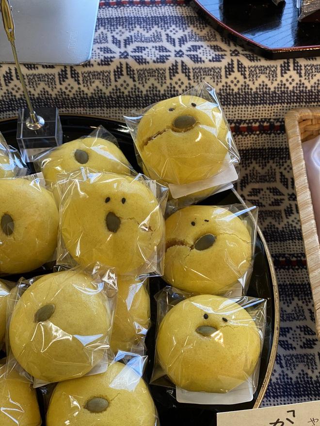 """Tiệm bánh Nhật Bản tận dụng """"hàng lỗi"""" để bán cho khách, ai ngờ đâu dân tình đổ xô đến mua đông nghẹt chỉ vì lý do này - ảnh 8"""