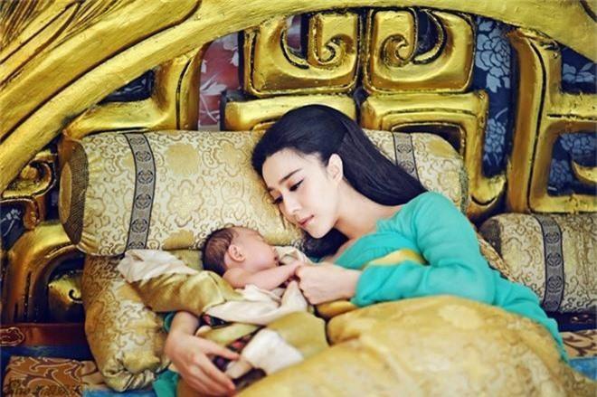 Ai là người nuôi dạy hoàng tử, công chúa thay hoàng hậu? - Ảnh 1.