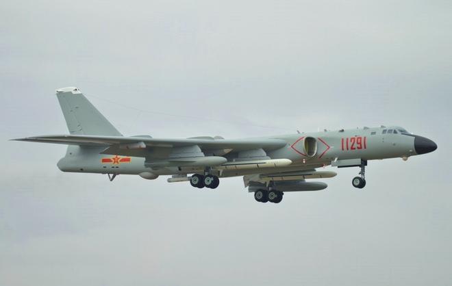 Chuyên gia Mỹ bóc mẽ máy bay ném bom Trung Quốc: Đông nhưng không mạnh, nhiều điểm yếu - Ảnh 1.