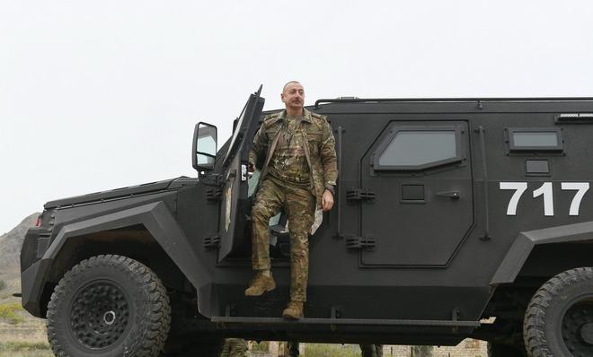 Tổng thống Aliyev: Nếu không hòa bình, hãy nổ súng - Chiến sự Azerbaijan-Armenia cực nóng - Ảnh 1.