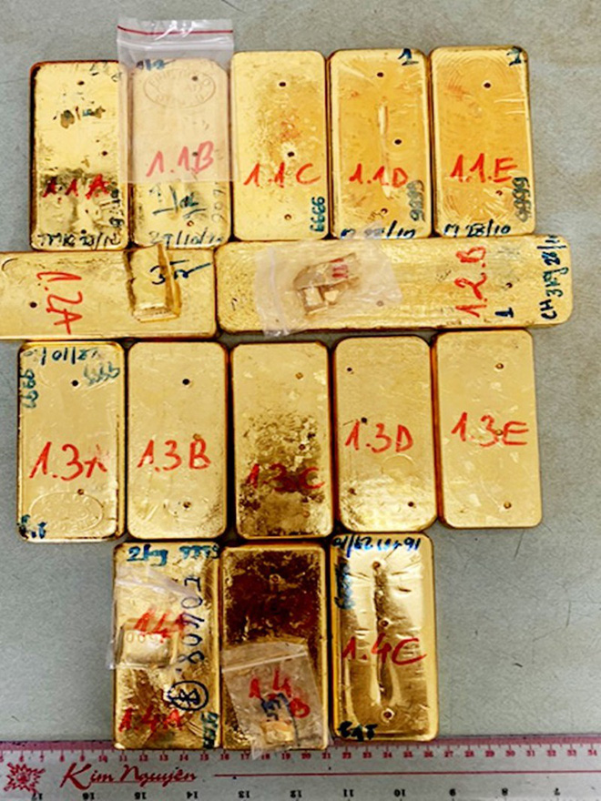 Toàn cảnh vụ triệt phá đường dây vận chuyển trái phép 51kg vàng 9999 qua biên giới Việt Nam - Campuchia - Ảnh 2.