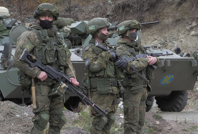 Armenia hỗn loạn sau khi ký hiệp định ngừng bắn: dân chúng tự đốt nhà bỏ đi, Ngoại trưởng từ chức... - Ảnh 2.