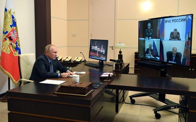 Armenia hỗn loạn sau khi ký hiệp định ngừng bắn: dân chúng tự đốt nhà bỏ đi, Ngoại trưởng từ chức... - Ảnh 11.