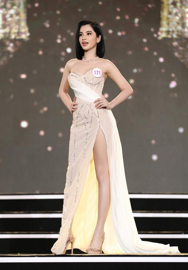 Nhan sắc thí sinh Hoa hậu Việt Nam nhận 2,4 nghìn bình luận - Ảnh 3.