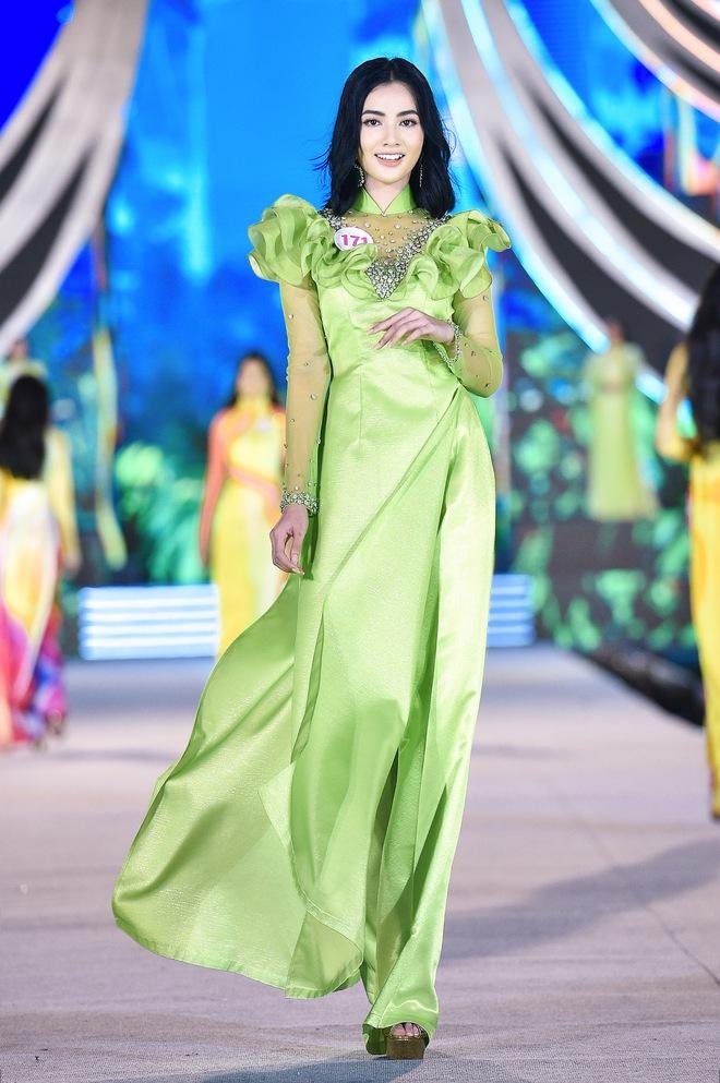Nhan sắc thí sinh Hoa hậu Việt Nam nhận 2,4 nghìn bình luận - Ảnh 6.