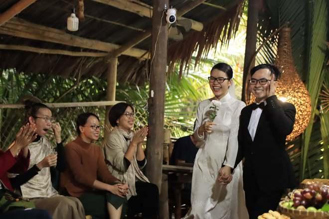 Đám cưới không rượu không nhạc ở Hội An, cô dâu dặn khách không phải mừng tiền - Ảnh 3.
