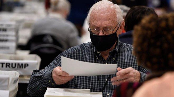 Georgia lại phát hiện hơn 3.000 phiếu bầu bị bỏ sót, quan chức bang nói gì về cơ hội của TT Trump? - Ảnh 2.