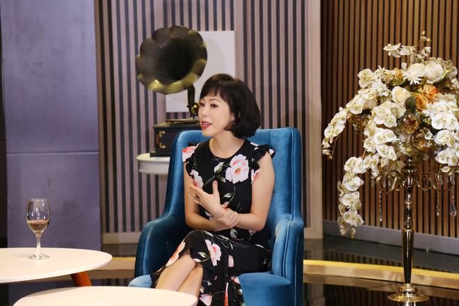 Vợ cũ danh ca Duy Quang: Chờ 6 tiếng mới được hát, lên sân khấu bị đuổi thẳng mặt - Ảnh 1.