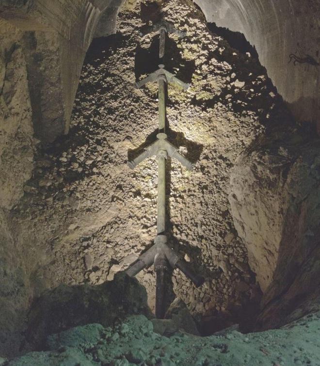 Đường hầm bí mật Hitler cho xây để giấu siêu vũ khí V3 - Ảnh 3.