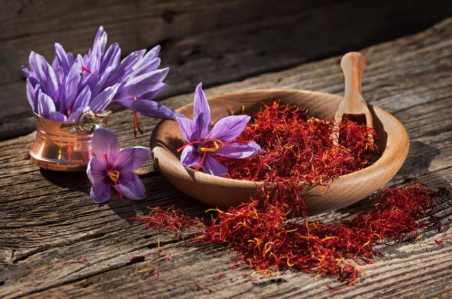 Giải mã loại nhụy hoa được tôn là vàng đỏ, rẻ nhất 175 triệu đắt nhất 450 triệu đồng mỗi kg - Ảnh 1.